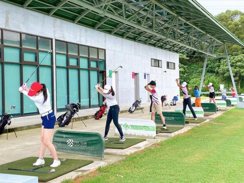 青少年高爾夫學院-1.jpg
